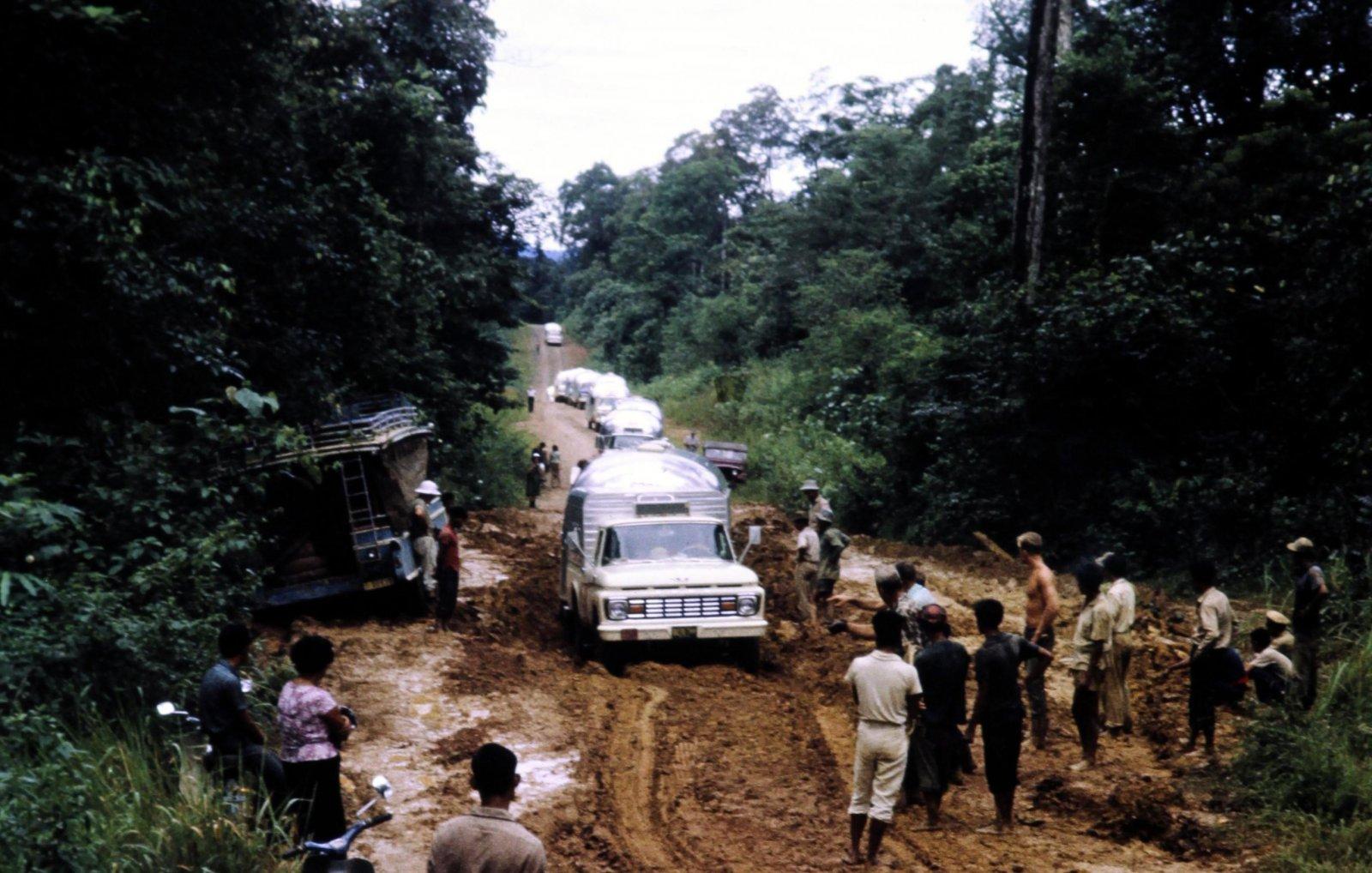 Click image for larger version  Name:Road Trip - Kra Peninsula, Thailand.jpg Views:61 Size:263.9 KB ID:302567
