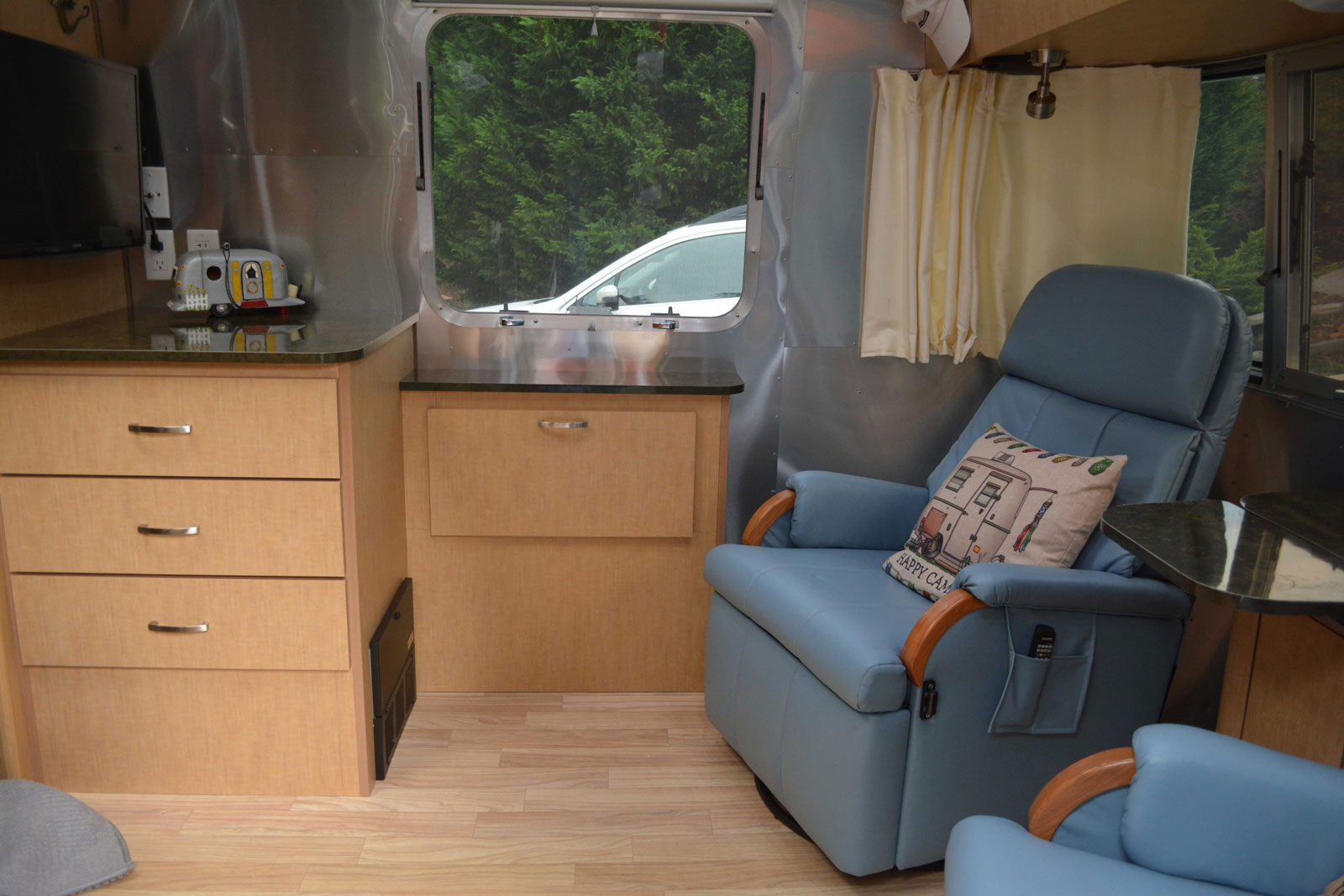 Click image for larger version  Name:Dinette-conversion-3.jpg Views:102 Size:213.9 KB ID:303311