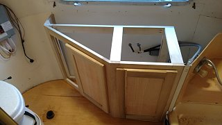 Click image for larger version  Name:counter in bath.jpg Views:33 Size:140.8 KB ID:303604