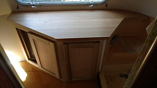 Click image for larger version  Name:countertop on cabinet.jpg Views:38 Size:131.3 KB ID:303607