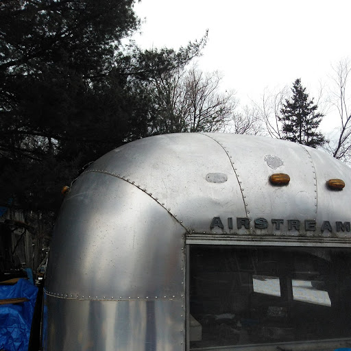 Click image for larger version  Name:airstream outside dent.jpg Views:76 Size:69.7 KB ID:304137