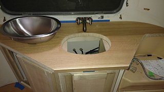Click image for larger version  Name:counter showing sink cutout.jpg Views:37 Size:181.2 KB ID:304496