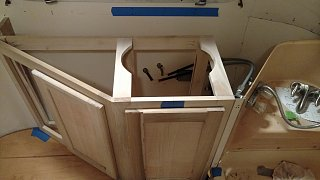 Click image for larger version  Name:sink hole cut in cabinet frame.jpg Views:31 Size:164.7 KB ID:304554