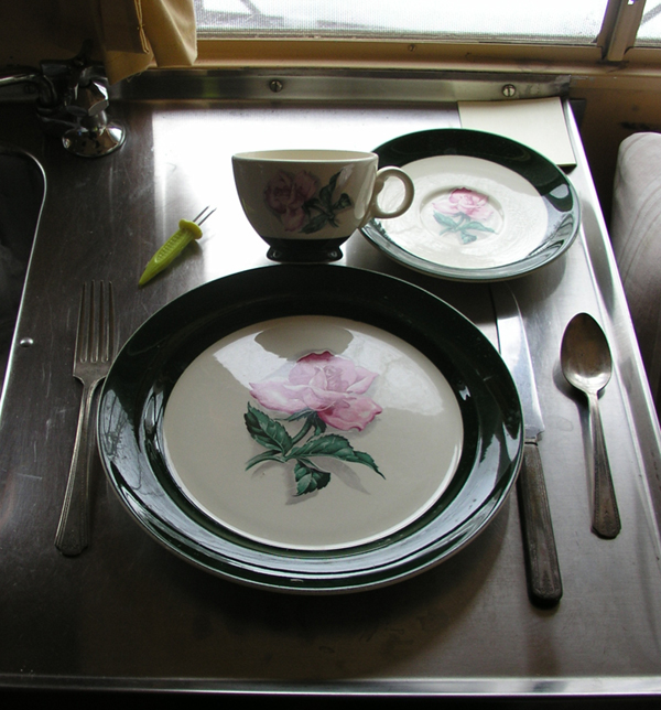 Click image for larger version  Name:Ruby dinnerware.jpg Views:83 Size:289.0 KB ID:30484
