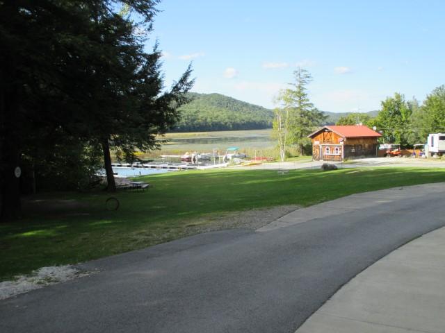 Click image for larger version  Name:1409 Vermont Rutland KOA Lake (Small).jpg Views:12 Size:80.0 KB ID:307007