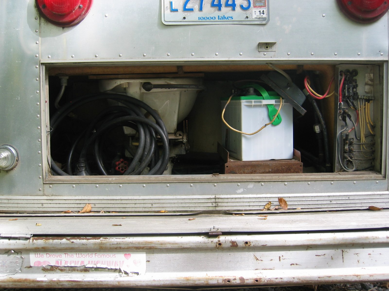 Click image for larger version  Name:1309 Rear Utility Compartment.jpg Views:38 Size:285.2 KB ID:307468