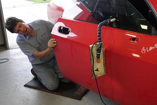 Click image for larger version  Name:paintless-dent-repair-1.jpg Views:52 Size:18.7 KB ID:308467