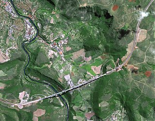 Click image for larger version  Name:Viaduc de Millau.jpg Views:77 Size:293.8 KB ID:30911