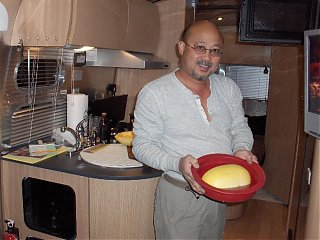 Click image for larger version  Name:HPIM0425.40 Larry with Spaghetti Squash.jpg Views:186 Size:69.0 KB ID:31493