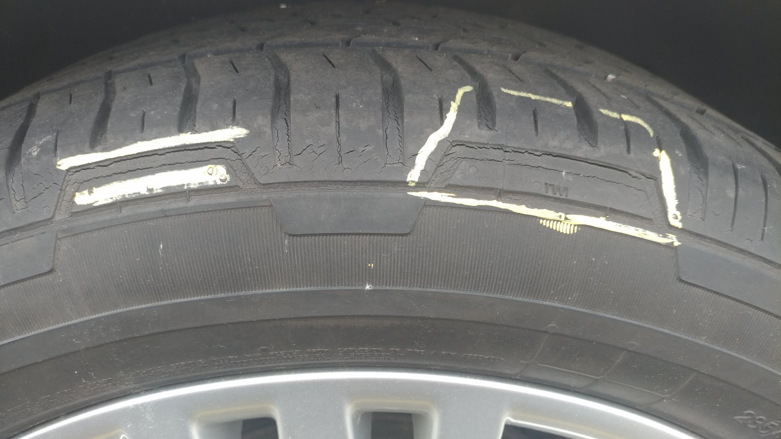 Click image for larger version  Name:crosse tire issue.jpg Views:35 Size:189.7 KB ID:315459