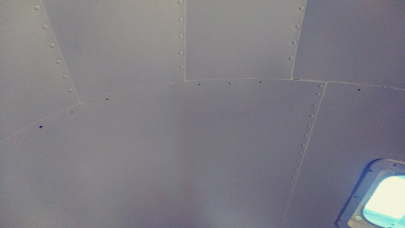 Click image for larger version  Name:airstream rivets.jpg Views:42 Size:135.3 KB ID:315913