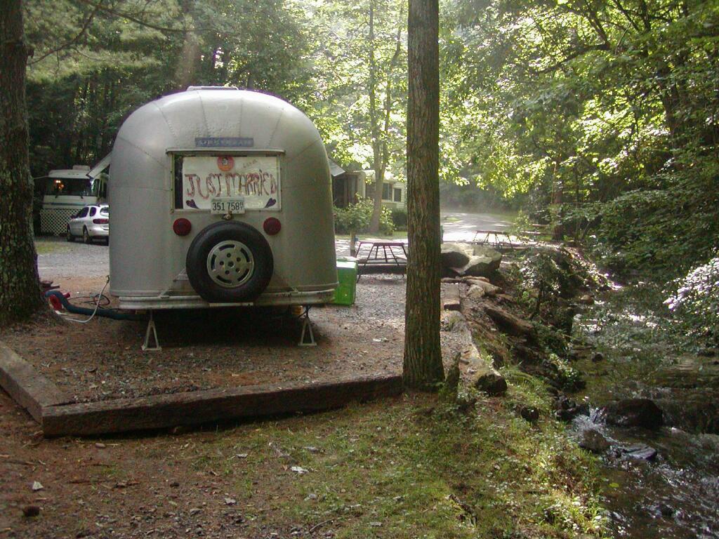 Click image for larger version  Name:1024-Camping-MoonshineCreek-BackOfCamper-P7080054.jpg Views:145 Size:185.7 KB ID:31745