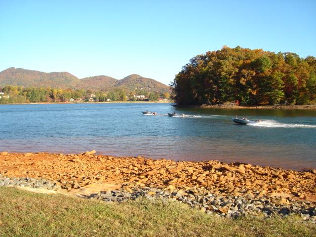 Click image for larger version  Name:121106 lake shore 009.jpg Views:48 Size:146.9 KB ID:31757