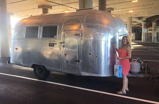Click image for larger version  Name:airstream-renee.jpg Views:48 Size:238.8 KB ID:319291