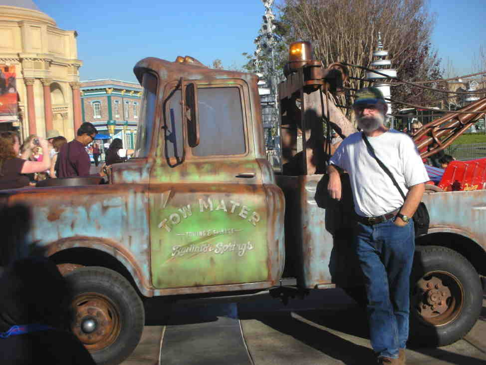 Click image for larger version  Name:Don and his new tow vehicle.jpg Views:113 Size:53.6 KB ID:32036