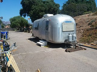 Click image for larger version  Name:our airstream.jpg Views:43 Size:357.5 KB ID:320386