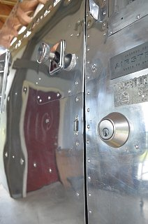 Click image for larger version  Name:Door latch restored.jpg Views:42 Size:623.3 KB ID:321406