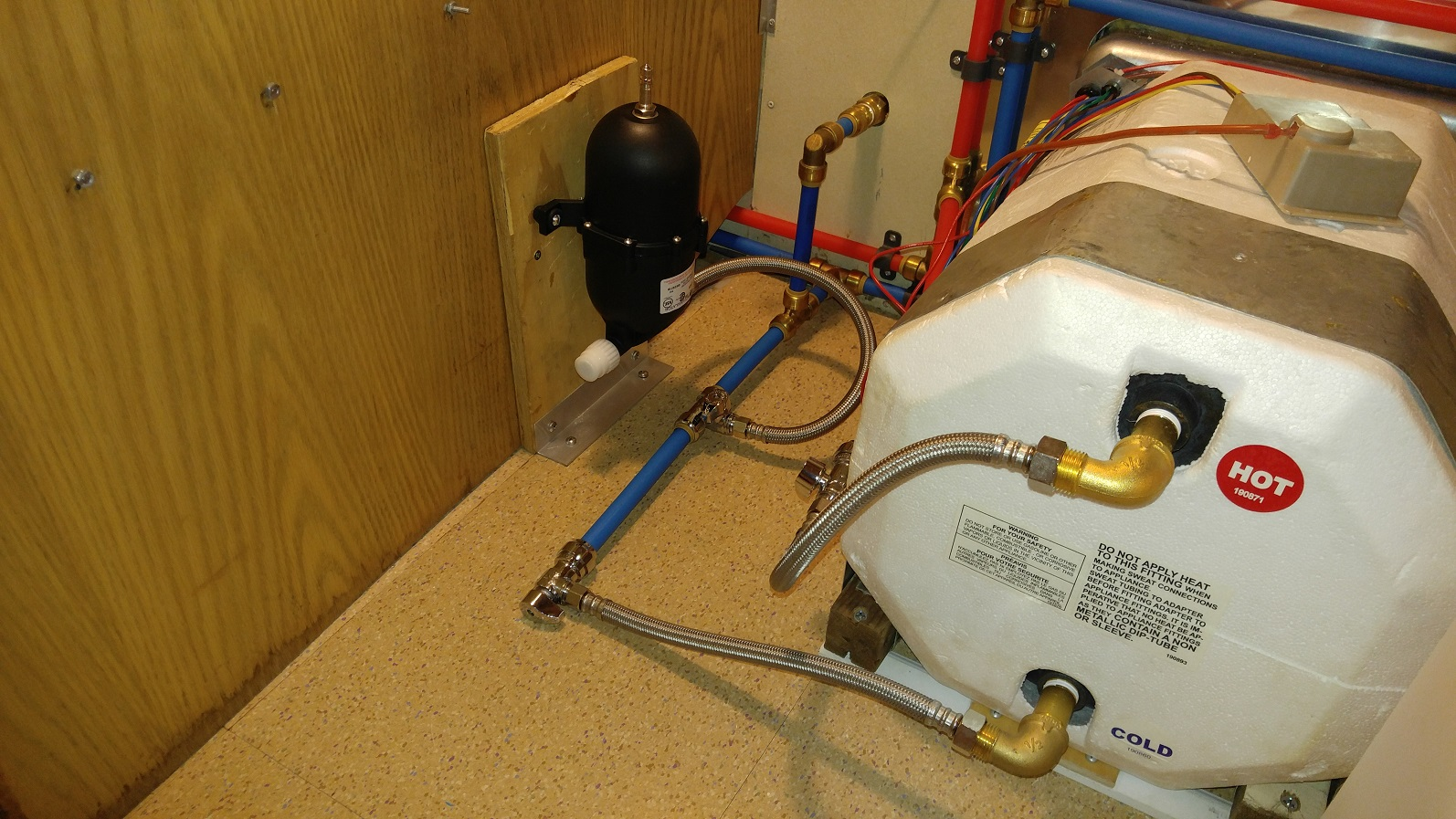 Click image for larger version  Name:Fresh Water Accumulator Installed.jpg Views:56 Size:495.7 KB ID:322075