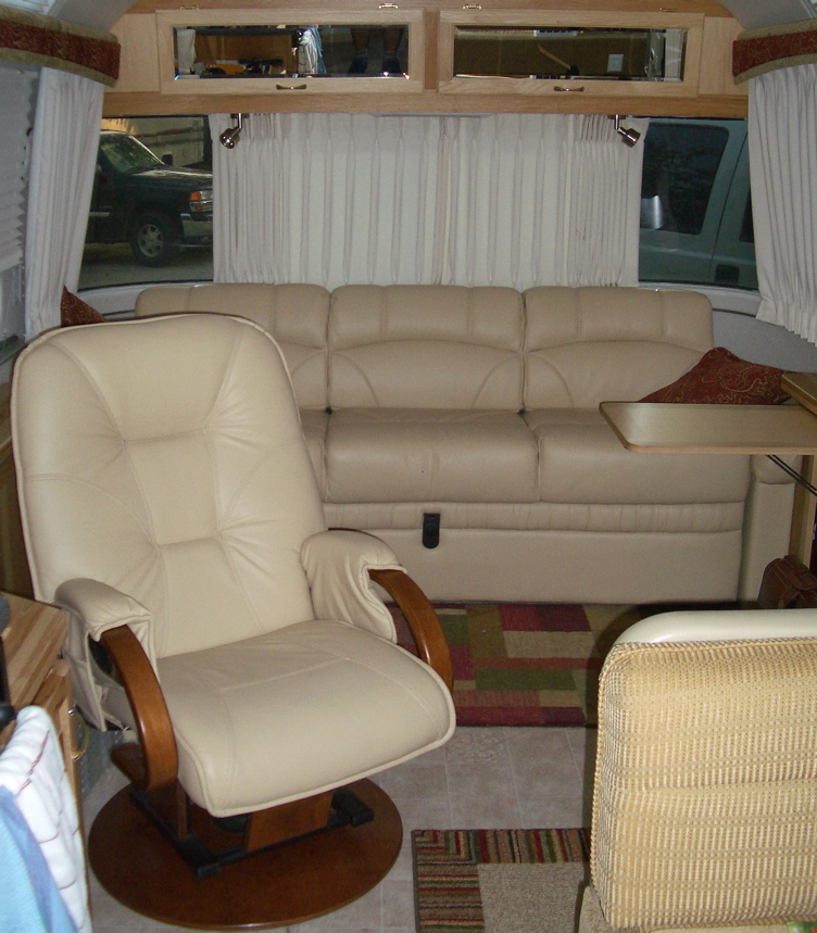 Click image for larger version  Name:chairandsofa.jpg Views:198 Size:272.2 KB ID:32235
