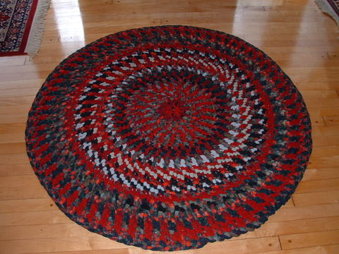 Click image for larger version  Name:Braided looped rugs 003.jpg Views:51 Size:48.9 KB ID:32463