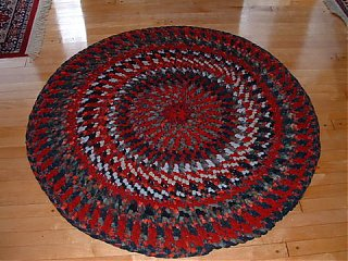 Click image for larger version  Name:Braided looped rugs 003.jpg Views:68 Size:48.9 KB ID:32463