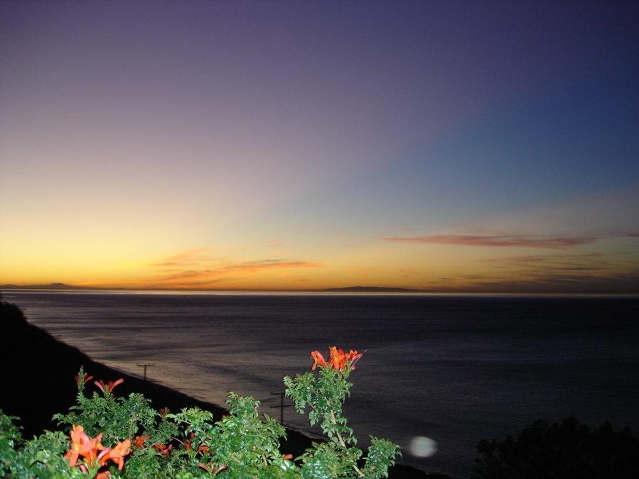 Click image for larger version  Name:sunrise2.JPG Views:68 Size:183.6 KB ID:32474