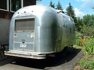 Click image for larger version  Name:Airstream2006Ducks002.jpg Views:72 Size:49.6 KB ID:32496