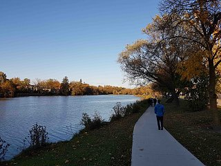 Click image for larger version  Name:2018-10-13 by the river-2.jpg Views:41 Size:469.0 KB ID:325162