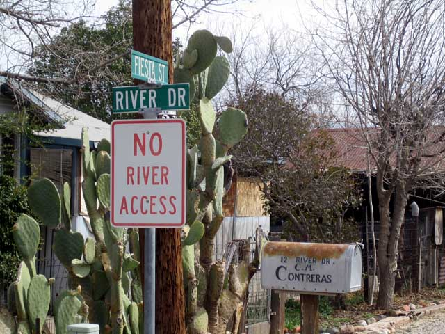 Click image for larger version  Name:river drive.jpg Views:69 Size:90.4 KB ID:32733