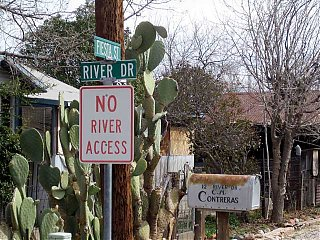 Click image for larger version  Name:river drive.jpg Views:82 Size:90.4 KB ID:32733