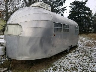Click image for larger version  Name:airstream front.jpg Views:105 Size:383.9 KB ID:327476