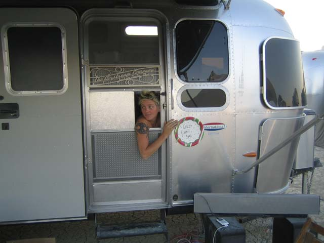 Click image for larger version  Name:annairstreamwindow.jpg Views:93 Size:48.8 KB ID:32916