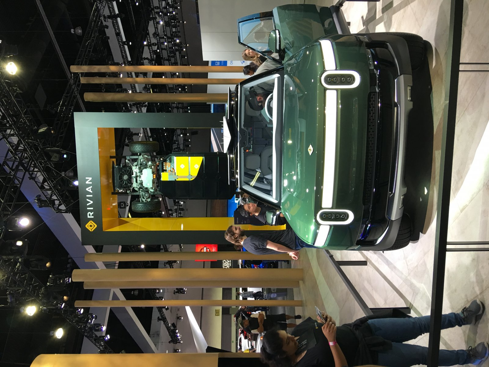 Click image for larger version  Name:Rivian SUV 2018.jpg Views:52 Size:325.6 KB ID:329305