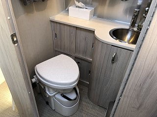 Click image for larger version  Name:01.06.19 Composting Toilet.jpg Views:51 Size:265.2 KB ID:331205