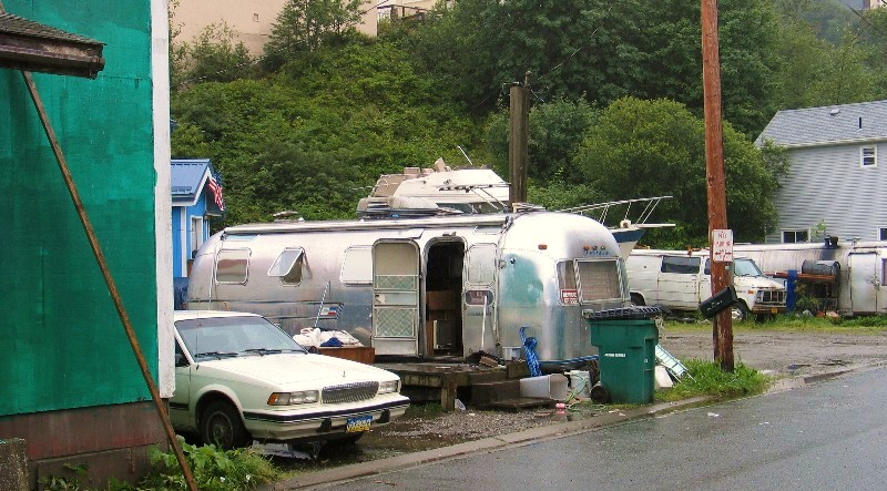 Click image for larger version  Name:livin large in Juneau.jpg Views:166 Size:149.9 KB ID:33223