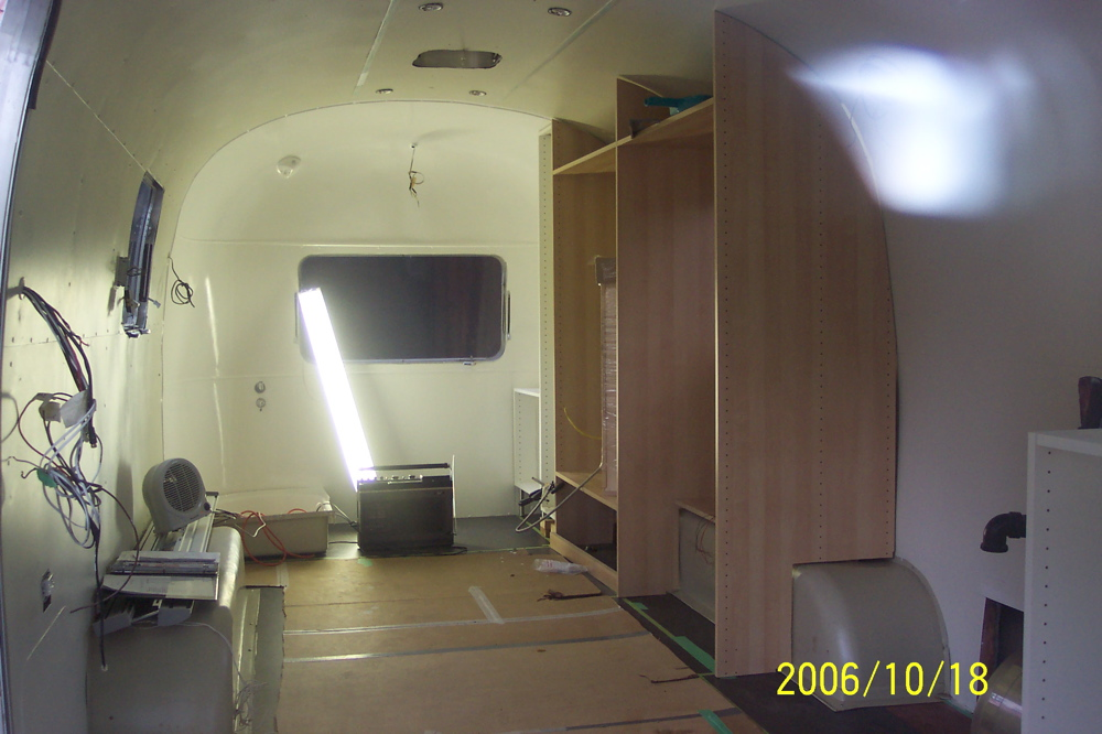 Click image for larger version  Name:white rear see cabinet.jpg Views:243 Size:215.7 KB ID:33268