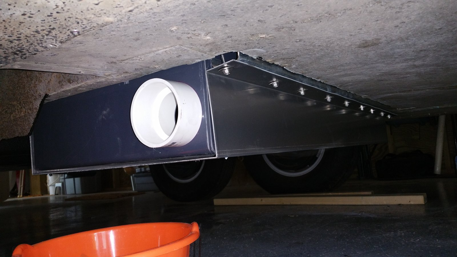 Click image for larger version  Name:New gray tank pan installed.jpg Views:34 Size:202.8 KB ID:332772