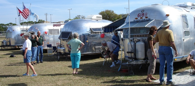 Click image for larger version  Name:Aluminitis II - Florida State Rally, Sarasota 2007.jpg Views:85 Size:105.2 KB ID:33317