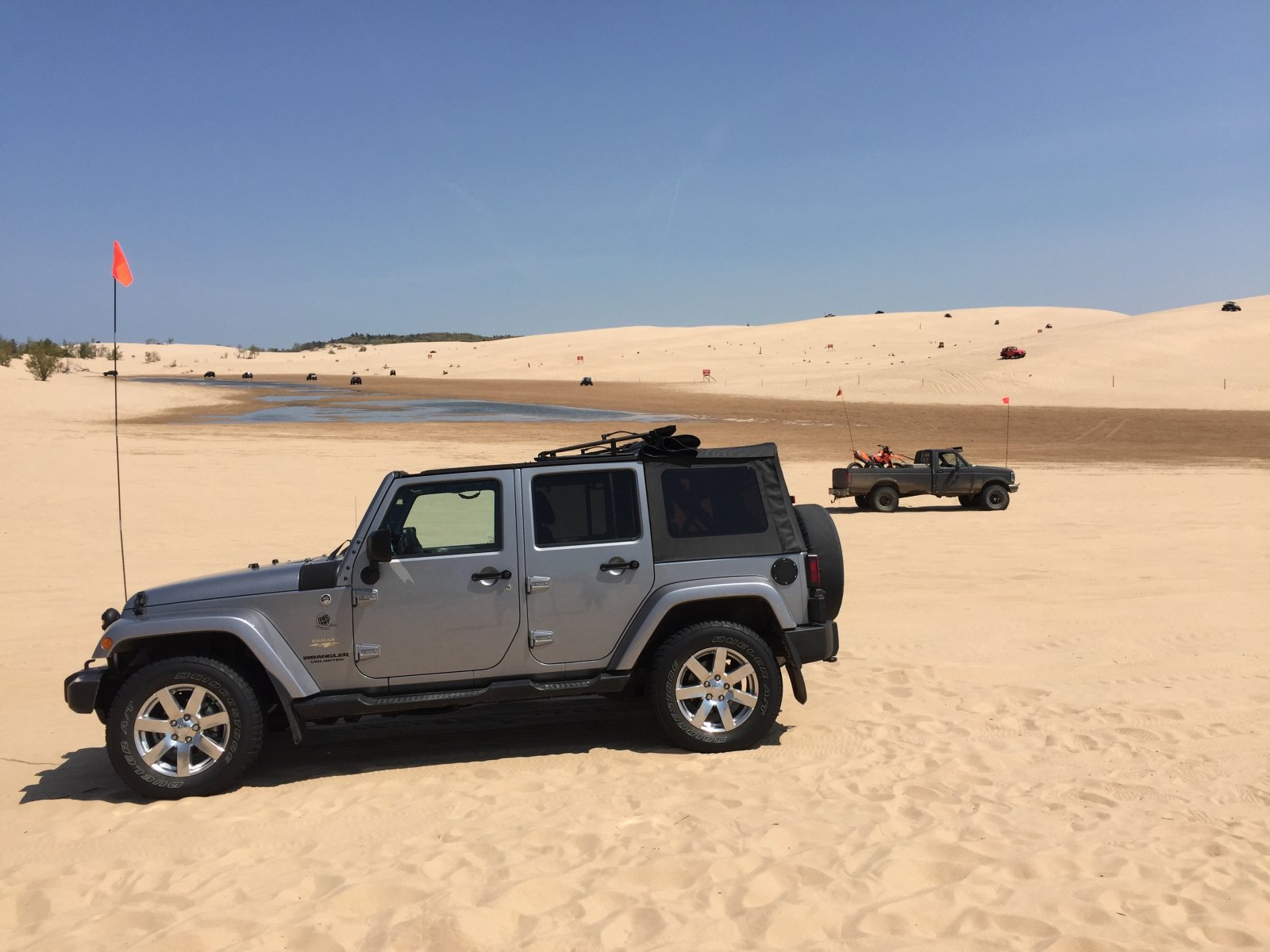 Click image for larger version  Name:Jeep At Silver Lake Dunes MI.jpg Views:81 Size:195.8 KB ID:333527