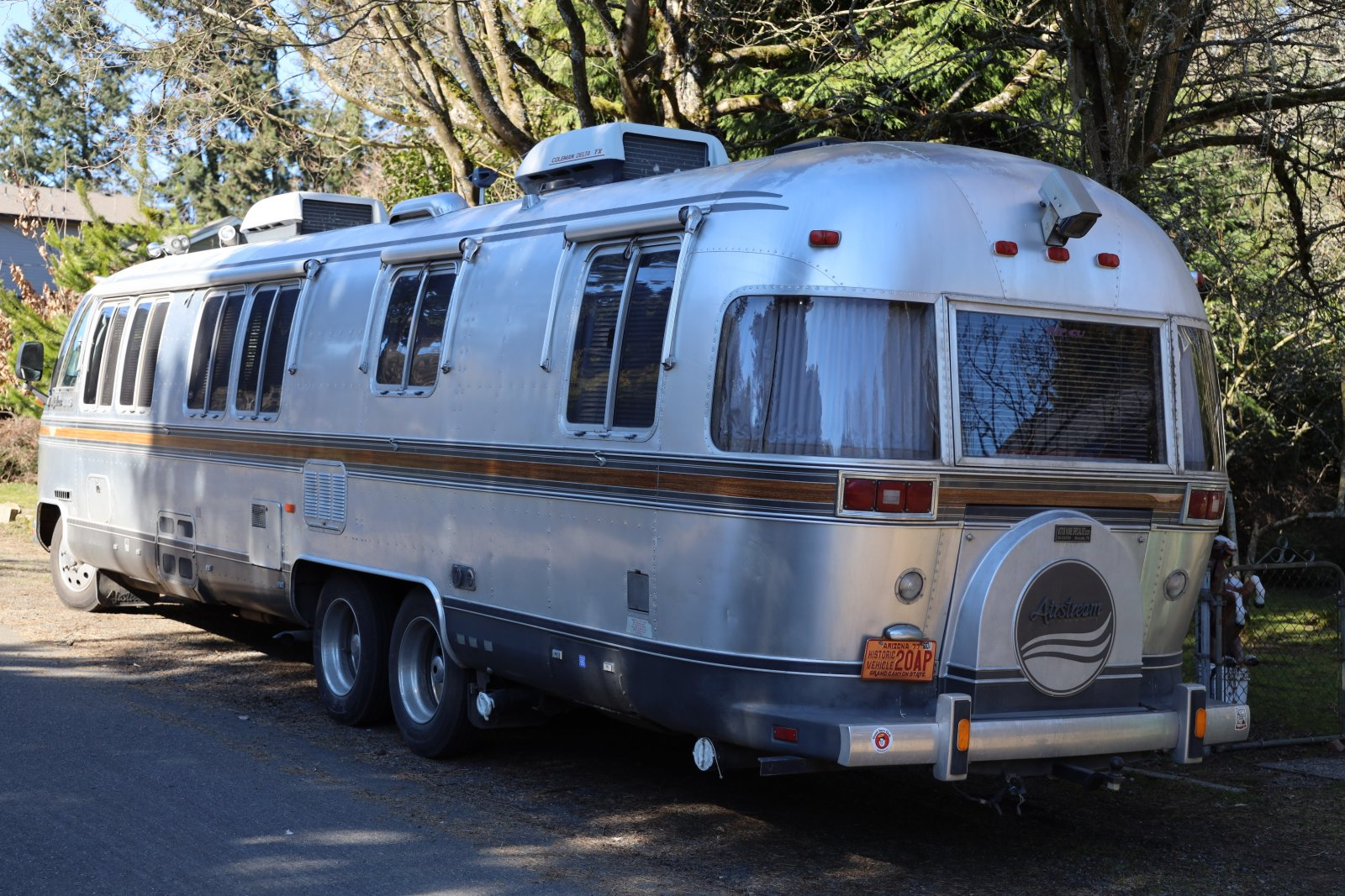 Click image for larger version  Name:1988airstream345.jpg Views:93 Size:410.3 KB ID:334962