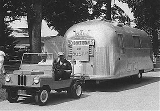 Click image for larger version  Name:Crosley engine pulling Airstream.jpg Views:134 Size:37.1 KB ID:33534