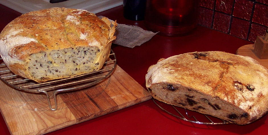 Click image for larger version  Name:Michael's bread.jpg Views:69 Size:97.9 KB ID:33780