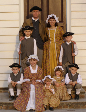 Click image for larger version  Name:W'burg 07 family portrait web copy.jpg Views:59 Size:76.3 KB ID:33910