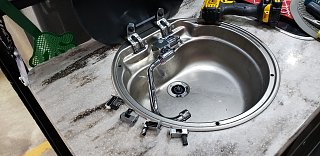 Click image for larger version  Name:Sink loose.jpg Views:36 Size:253.9 KB ID:341050