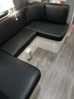 Click image for larger version  Name:lagum table removed for maxium floor space.jpg Views:16 Size:212.1 KB ID:341247