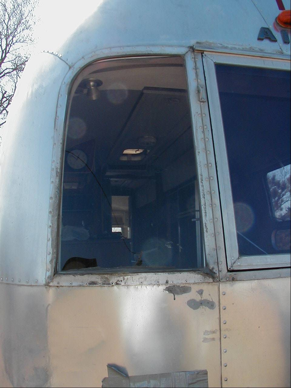 Click image for larger version  Name:Passenger window close up.jpg Views:95 Size:122.2 KB ID:34289