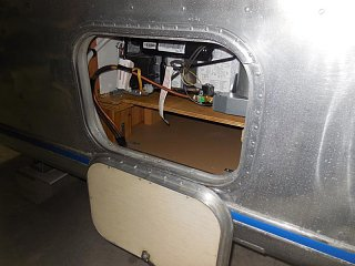 Click image for larger version  Name:1906 Cargo Door Fridge Hinge Open-800x600.JPG Views:15 Size:114.3 KB ID:344605