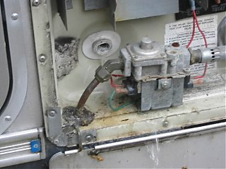 Click image for larger version  Name:heater draining.jpg Views:1301 Size:41.9 KB ID:3457