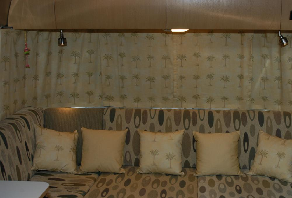 Click image for larger version  Name:Curtains.JPG Views:239 Size:99.8 KB ID:34796