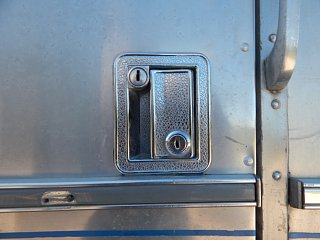 Click image for larger version  Name:Airstream door 005.jpg Views:28 Size:207.9 KB ID:348010